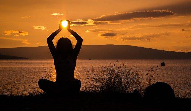 yoga grundlegend erlernen und praktizieren header