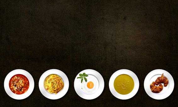 essen auf tellern