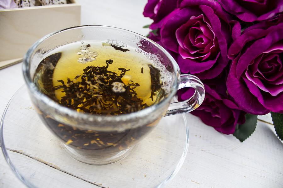 gruener tee tasse