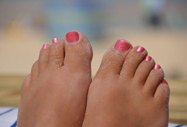 fuesse im sand