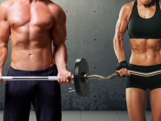 Muskulöser Mann und muskulöse Frau