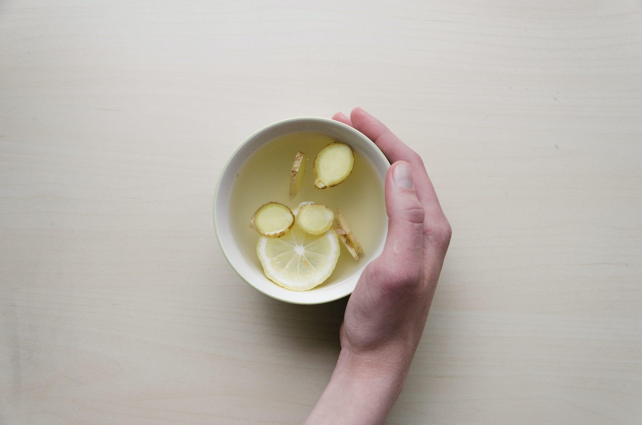 Tasse mit Ingwertee